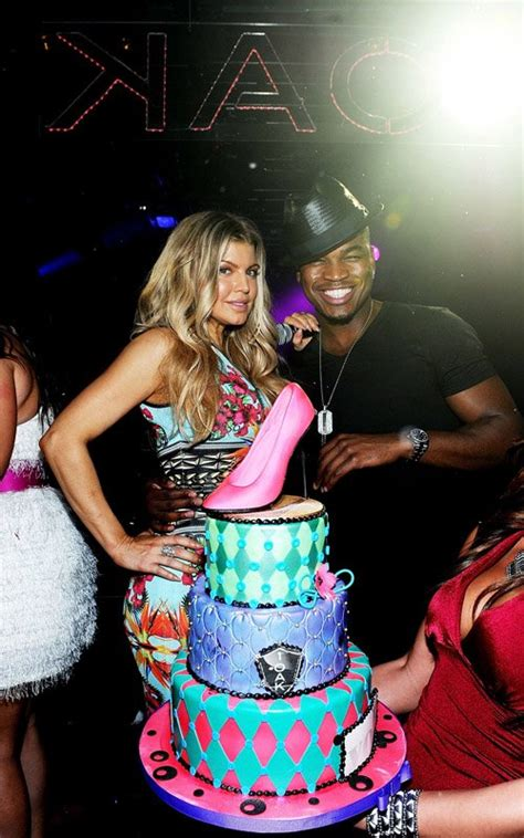 Best Celebrity Cakes: Birthday Edition - Page 21