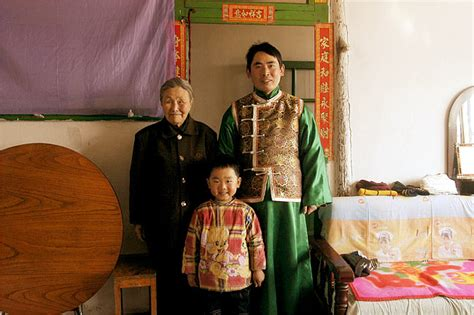 Chinese Village Struggles to Save Dying Language - The New