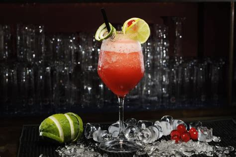 """17 """"Girly"""" Drinks That Every """"Man"""" Should Try"""