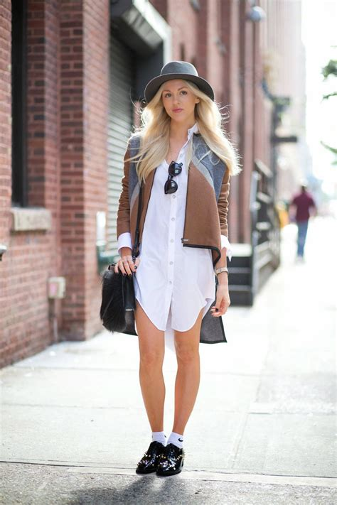 15 Trending Street Fashion Lunch Hour Looks: Ladies who