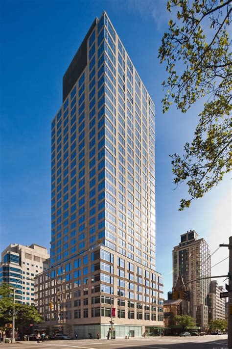 The Laurel at 400 East 67th St