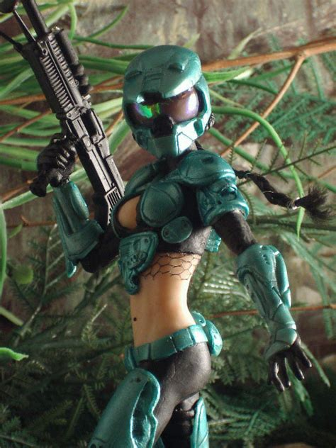 News: Female Master Chief Sold For Good Cause | MegaGames